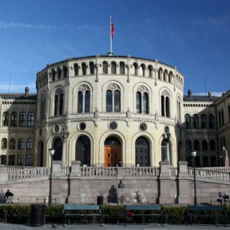 Le parlement de Norvège (Stortinget). zoonabar/Flickr, CC BY-SA